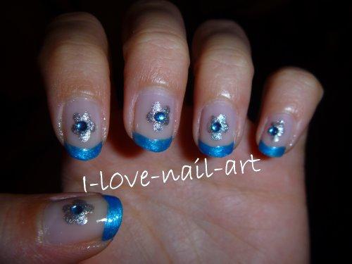 nail art bleu et argent french bleu et fleur avec strass blog de i l0ve nail art. Black Bedroom Furniture Sets. Home Design Ideas