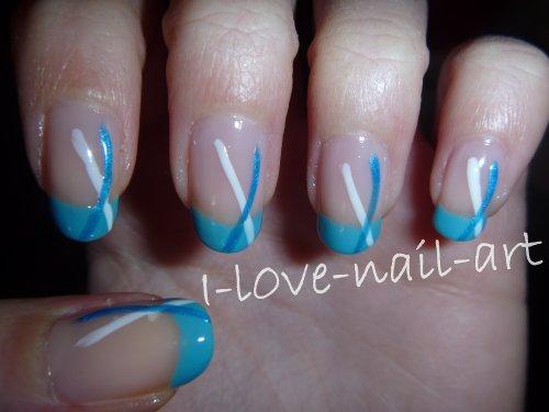 French turquoise avec traits bleu et blanc