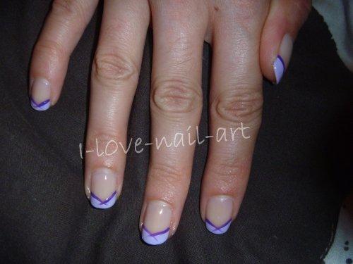 Nail art tout en violet