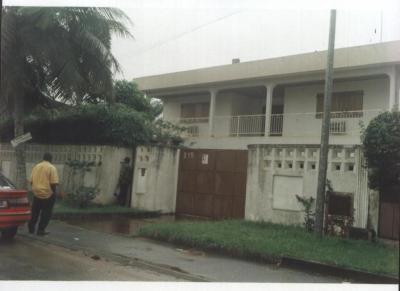 Plusieurs Maisons Et Des Terrains A Vendre A Abidjan