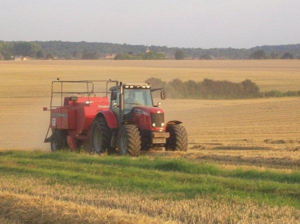 Pressage paille de blé