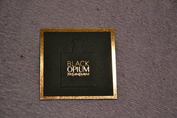 carte parfumée black opium YSL