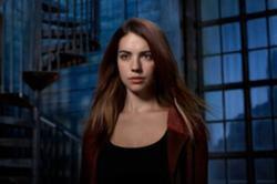 Cora Hale (Adelaide Kane)