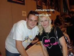 Josh Herdman & ses fans.