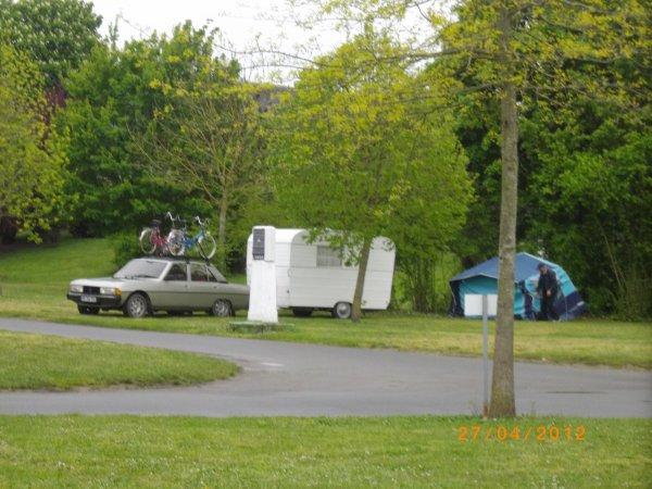 1082  8eme retro camping 2012 du cqnv a chinon 37
