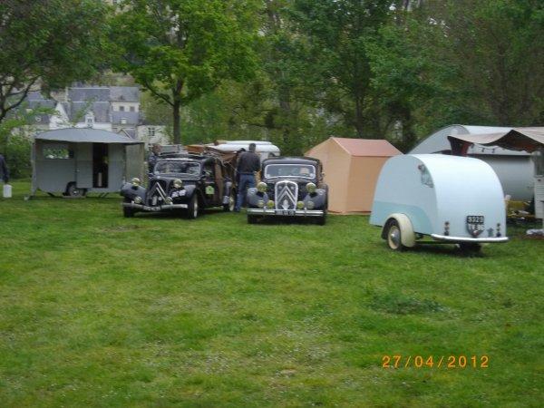 1083  8eme retro camping 2012 du cqnv a chinon 37