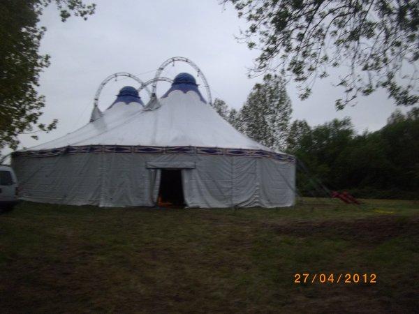 1084    8eme retro camping 2012 du cqnv a chinon 37