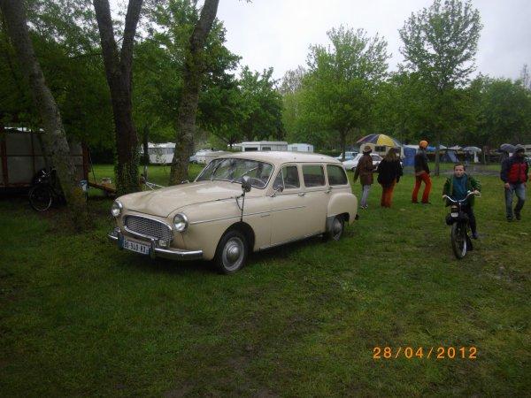 1085      8eme retro camping 2012 du cqnv a chinon 37