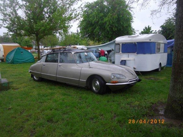 1086   8eme retro camping 2012 du cqnv a chinon 37