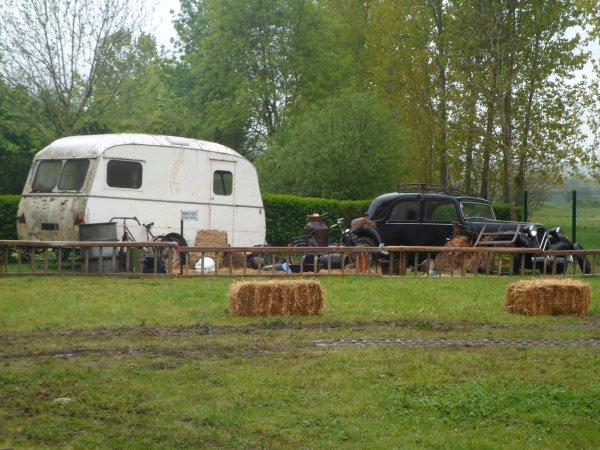1094  8 eme retro camping du cqnv a chinon (37)