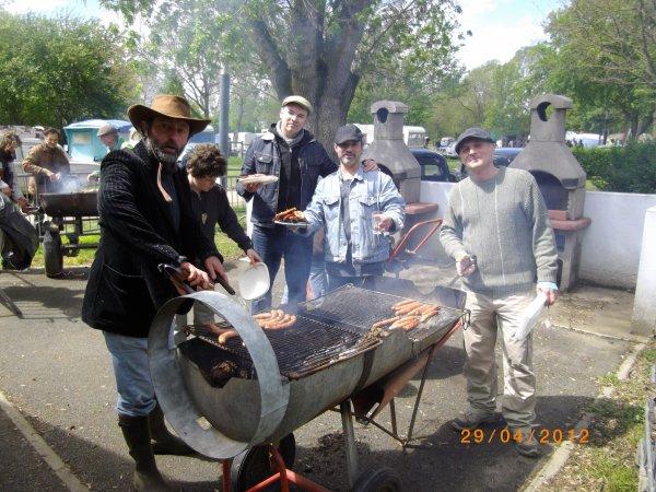 1101 8 eme retro camping du cqnv a chinon (37)
