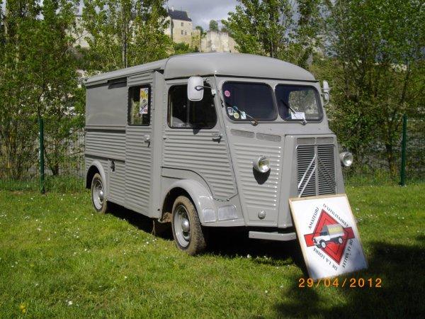 1103  8 eme retro camping du cqnv a chinon (37)