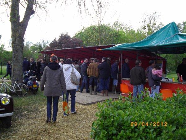 1107   8 eme retro camping du cqnv a chinon (37)