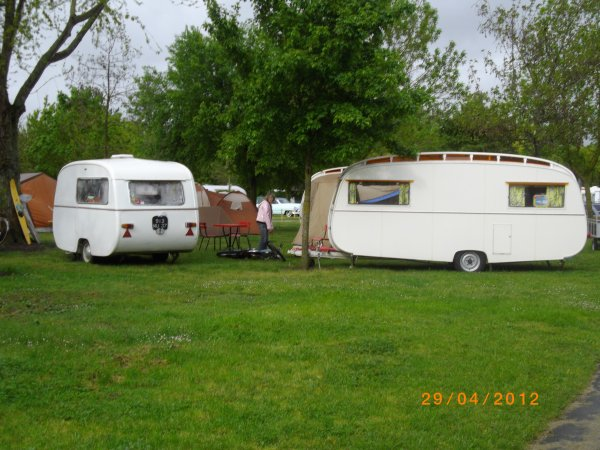1112 8 eme retro camping du cqnv a chinon (37)