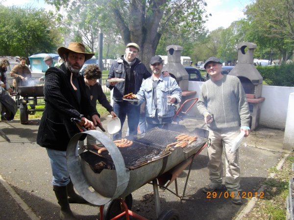 1114  8 eme retro camping du cqnv a chinon (37)