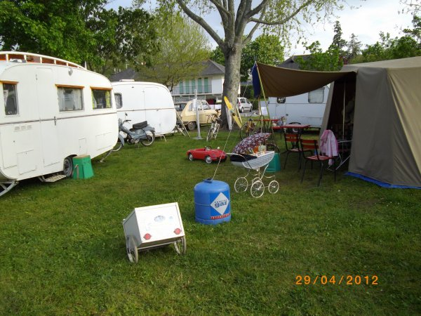 1118 8 eme retro camping du cqnv a chinon (37)