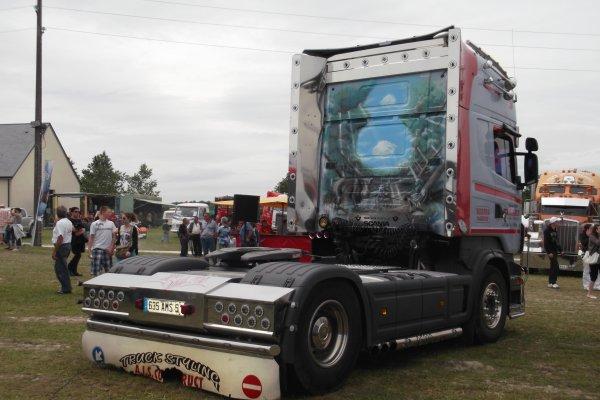 1143 expo de véhicules a francueil 06/2012 dep 37