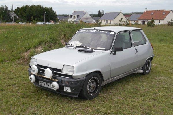 1146 expo de véhicules a francueil 06/2012 dep 37