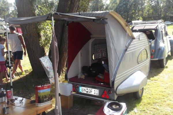 1156 le 11 et 12 / 08 /2012 8 ème concentration de 2 CV - Fiesta'Deuche Berry Touraine