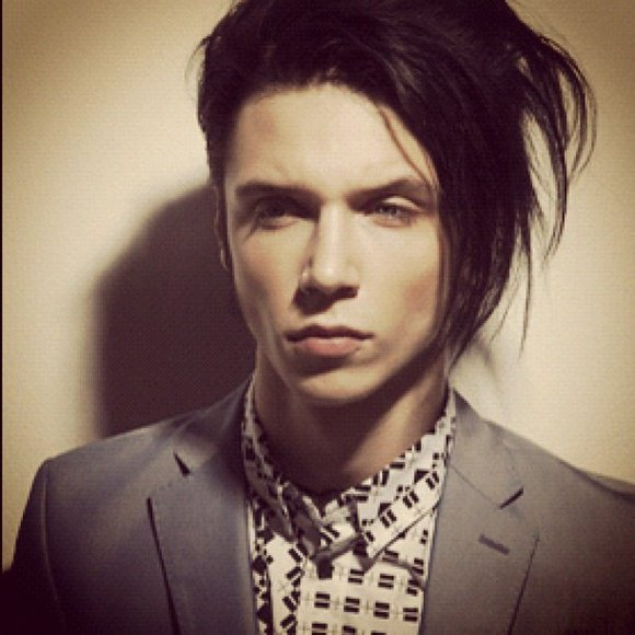 Andy ^.^