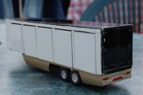 le camion et la remorque je les trouvent sur le bon coin voici ma derni re r alisation un. Black Bedroom Furniture Sets. Home Design Ideas
