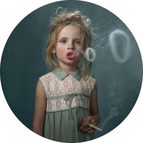 Je ne fume pas vraiment, c'est juste depuis que je ne suis plus avec mon ex il me faut quelque chose d'autre pour me pourrir la vie.