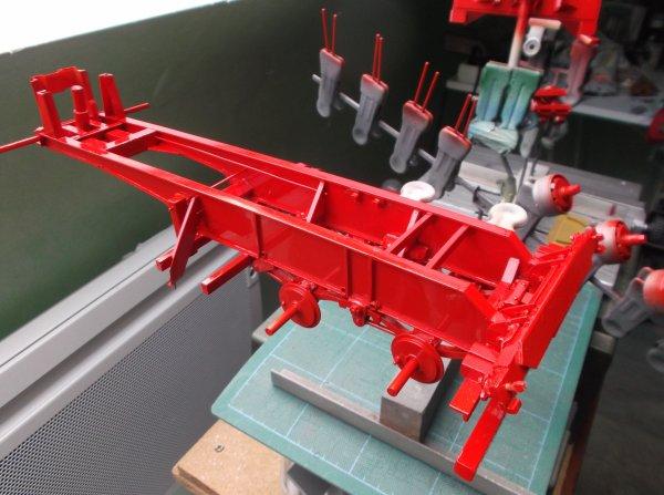 mercedes mp3 petite cabine !! 71 !! après et première couche de peinture sur le chassis de la semi !!!