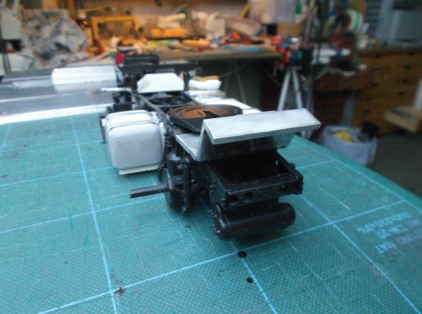 mercedes mp3 petite cabine !!73 !! couvre châssis arrière du tracteur !!!