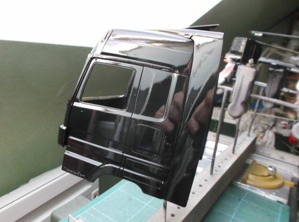 mercdes mp3 petite et grande cabine !! 12 !! noir sans vernis avant déco sur la grande cabine !!!