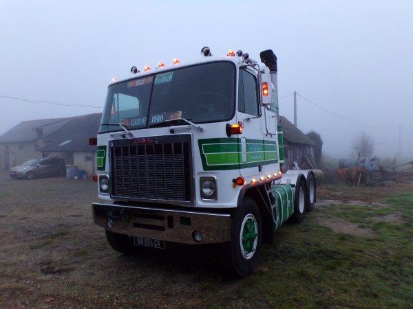 un samedi sur le GMC !! pose de bouchon fabrication maison sur les supports d'ailes et quelques photos sur fond de brouillard !!!
