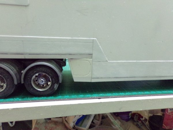 US 43 !!! début de fabrication du panneau arrière de la semi et un autre petit détail !!
