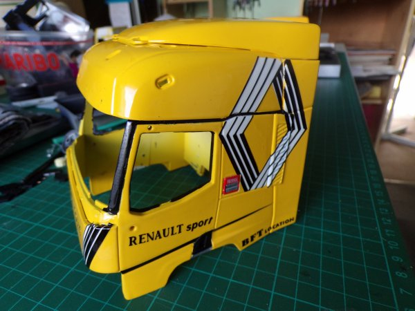 en même Temp que le man f2000 ,un Renault de chez éligor !!!