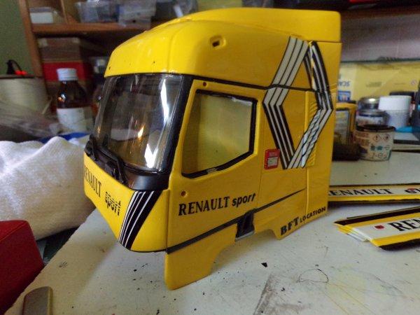 début de l'assemblage du Renault !!