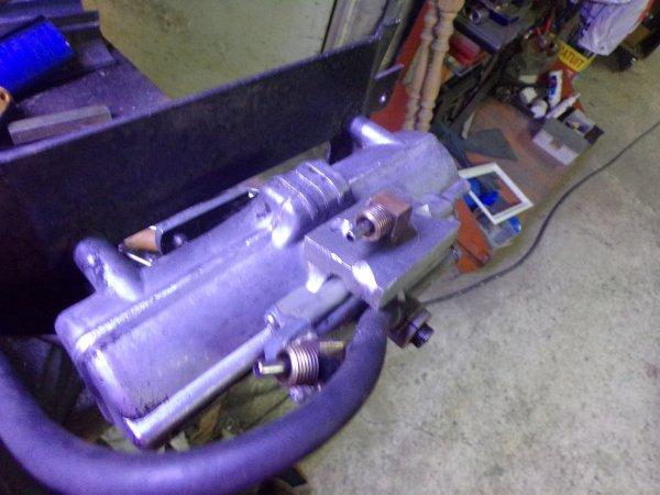 un samedi sur le GMC ,réparation de l'alimentation d'air d'un des moteur d'éssui glace
