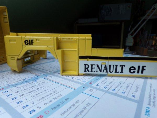 RENAULT AE 560 !!05 !! pièces vernis !!