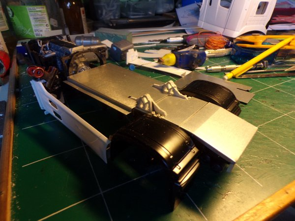 mercedes mp4 !!!02 !! début de fabrication d'un couvre châssis !!!