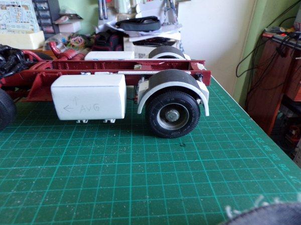 R420 air disc !!04 !! ailes arrière et réservoirs en place !!