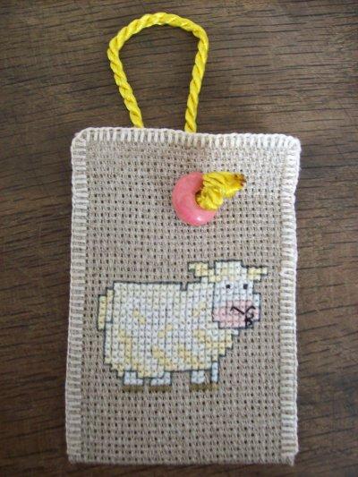 """Support d'huilles essentielles """" Mouton """""""