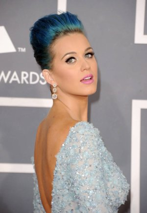 ... ( = Katy Perry = ) ...