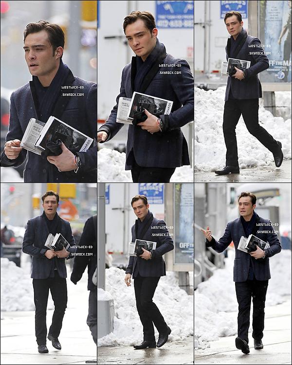 ON SET  Ed a remis son costume de Chuck Bass les 11 & 12 / 01, pour un tournage à NY, sous la neige ... Que penses-tu de la classe à la Chuck Bass ?