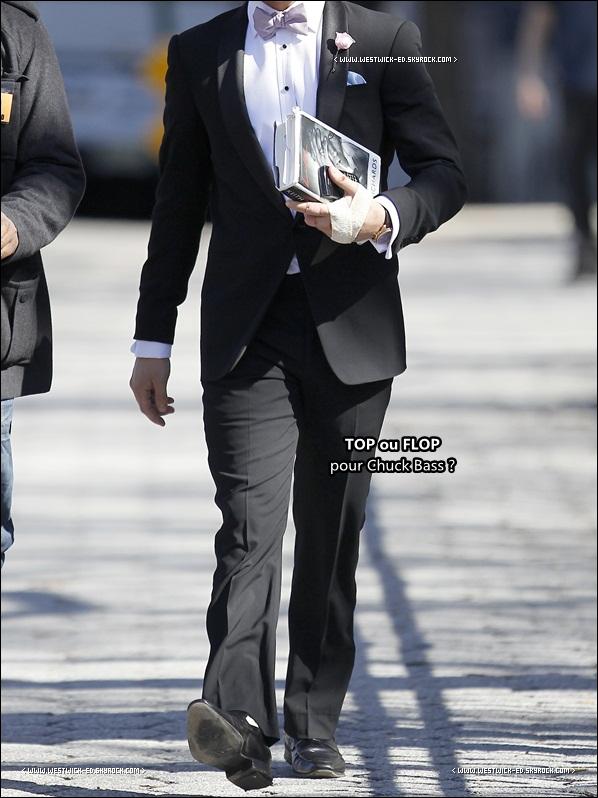 08/03/11 : Ed Westwick tournait un épisode de Gossip Girl (Saison 4), la biographie de Keith Richards à la main.