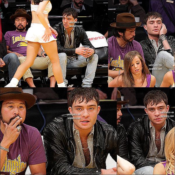 20/03/11 : Ed, accompagné d'un ami, bavait devant les pom-pom girls à un match de basketball à L.A. Classe ...