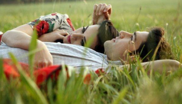 C'est fou d'aimer une personne à ce point, et de pas savoir comment lui montrer.