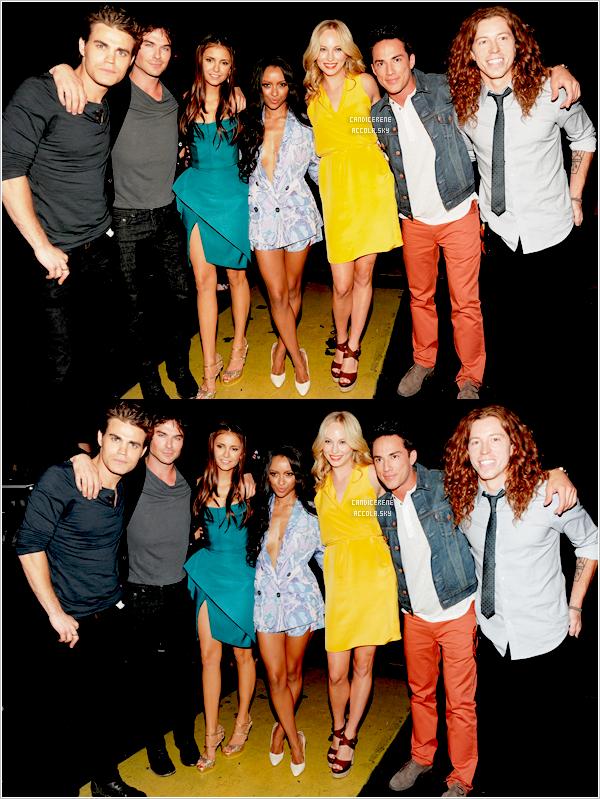 . 22/07/12 : Candice Accola était avec ses co-stars de The Vampire Diaries aux « Teen Choice Awards 2012 »Pour sa première participation aux TCA elle a remporté un prix dans la catégorie « Choice TV Female Scene Stealer ». .
