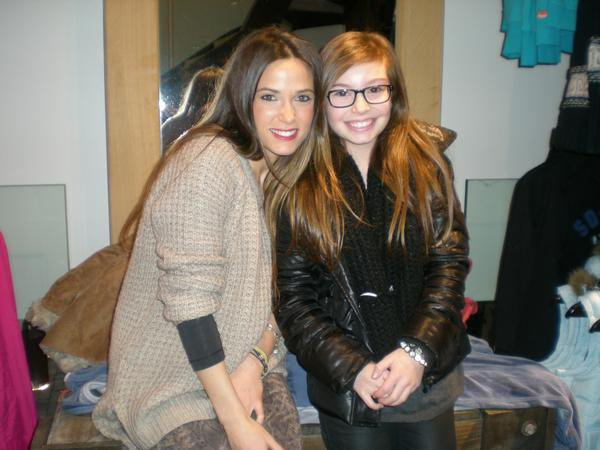 Capucine & sa fan Lisa au Superdry de Lyon