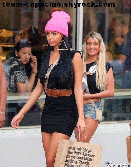 Capucine, Nabilla & Aurélie à Miami