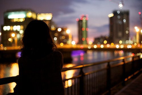 """"""" Quand on est aimé, on ne doute de rien. Quand on aime, on doute de tout. """""""