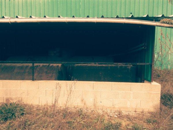 Site de stockage produit dangereux du garage (1)