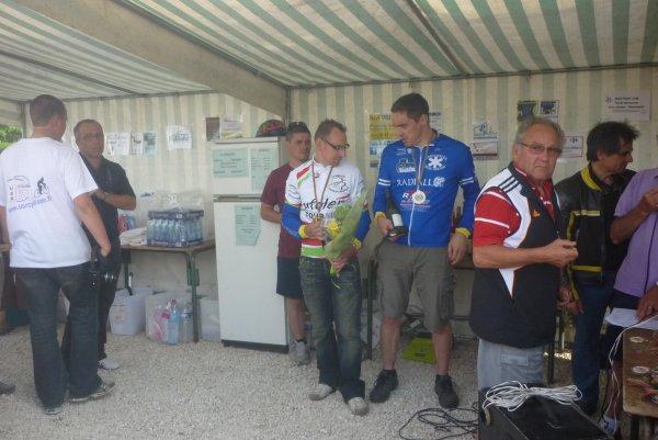 Championnat Départemental Route UFOLEP a Auzouer en Touraine le 22 mai 2011