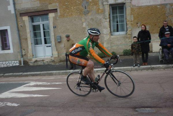 Championnat Départemental Route FFC à Louestault le 29 avril 2012